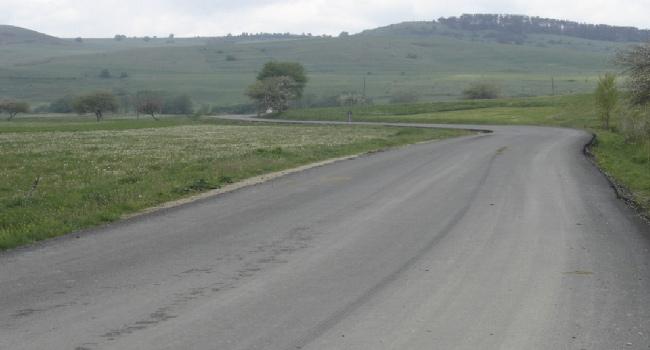 Felújított szakasz Oklánd után a megyehatár irányában. Fotó: Hargita Megye Tanácsa