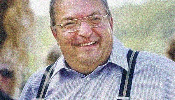 """Simicska """"átadta"""" Orbánnak erdélyi sajtótrösztjét?"""