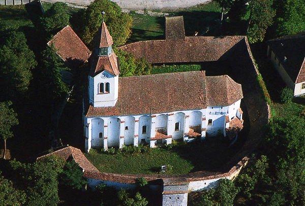 A szászbudai (Bunesti, Bodendorf) erődtemplom