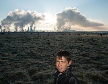 Azomureş poluează, autorităţile dau din umeri