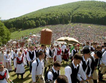 Csíksomlyó az UNESCO-ban: Magyarország frontálisan támad, Románia ravaszul kitér