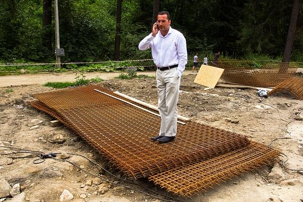 Lénárd András néhány éve, amikor még törpe vízerőműveket épített Székelyföldön. Fotó: Az Úz-völgyi törpe vízerőmű. Fotó: Egyed Ufó Zoltán