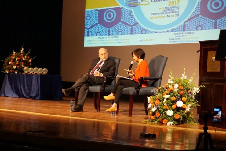 Joseph Stiglitz és Sheila Coronel