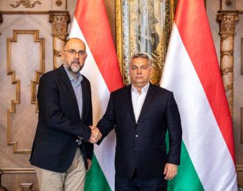 Újra áramlik a magyar közpénz az RMDSZ felé: ingatlanokat vásárol az Iskola Alapítvány