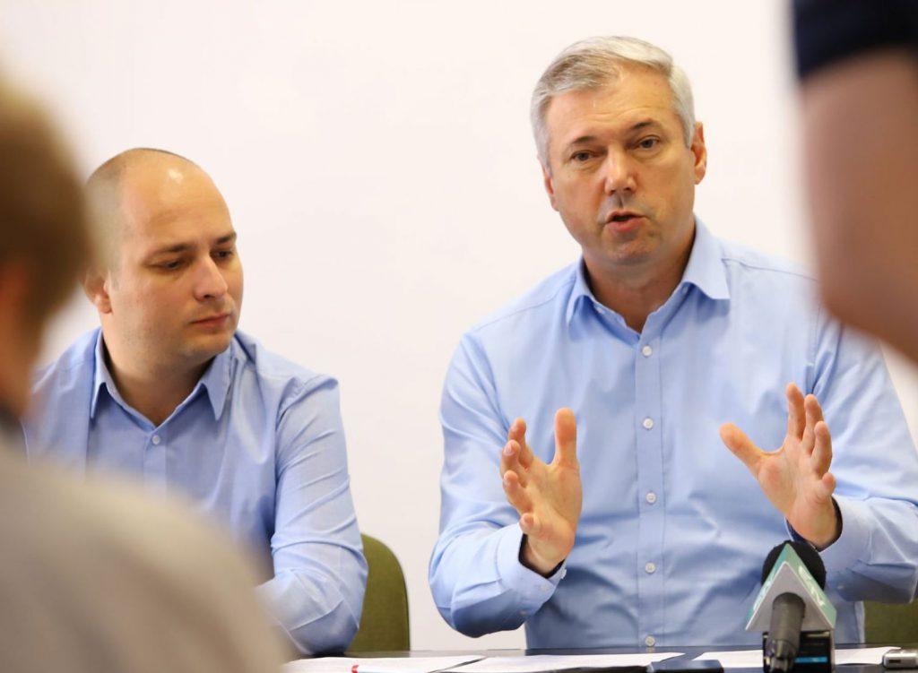Kovács Mihály Levente ügyvezető elnök és Péter Ferenc megyei RMDSZ-elnök
