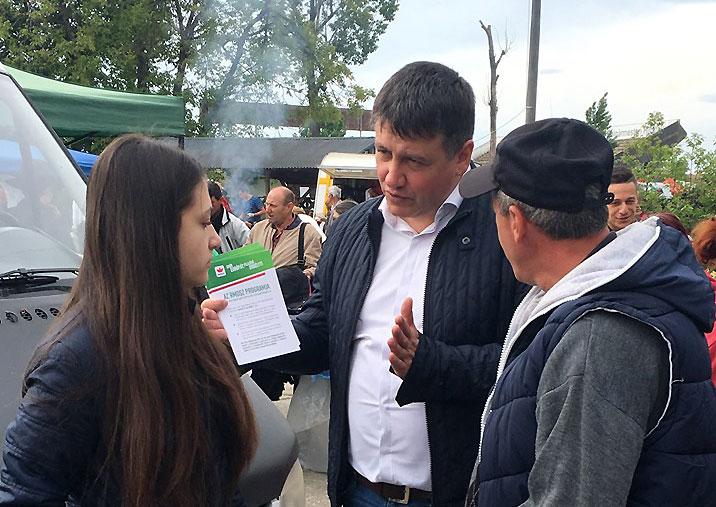 Vass Levente kampányol Marosvásárhelyen