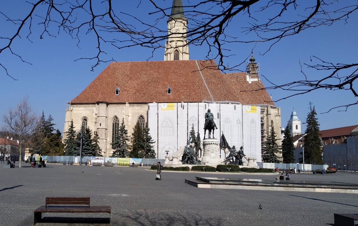Kolozsvár kihalt főtere március 18.-án délelőtt. Fotó: Sipos Zoltán