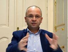 A magyar alprefektus, aki nem az RMDSZ-ben, hanem a korrekt bürokráciában hisz