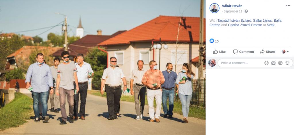 Sallai János (balról a negyedik) a Kolozs megyei RMDSZ kampánycsapatával