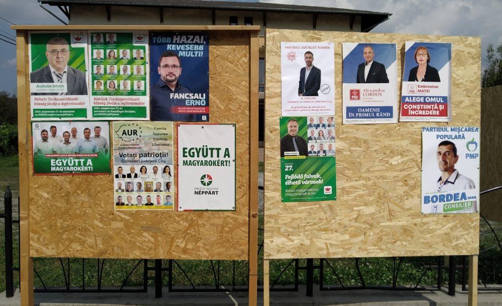 Választási plakátok Tordaszentlászlón. Fotó: Szabó Tünde