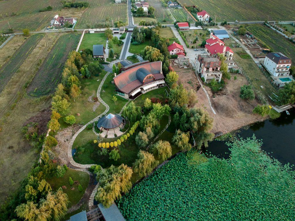 Verestóy Attila néhai RMDSZ-szenátor háza a snagovi tó mellett