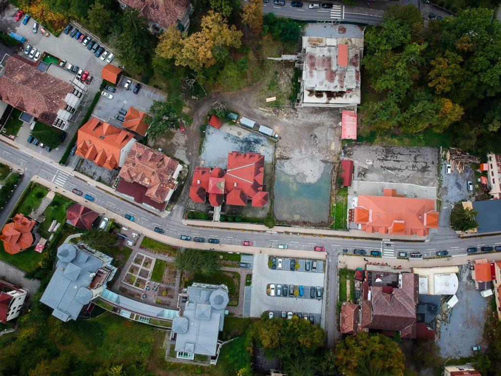 A Trandafirilor utcában levő, 864 négyzetméteres foghíjtelek. Fotó: Egyed Ufó Zoltán
