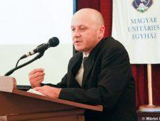 A verekedő papról nem akar beszélni az unitárius egyház