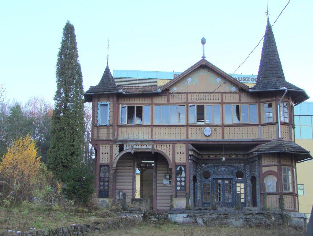 A régi, lebontott Bernády-villa. Fotó: Țetcu Mircea Rareș/wikimedia.org